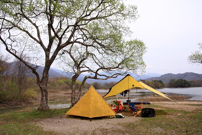 キャンプ 湖