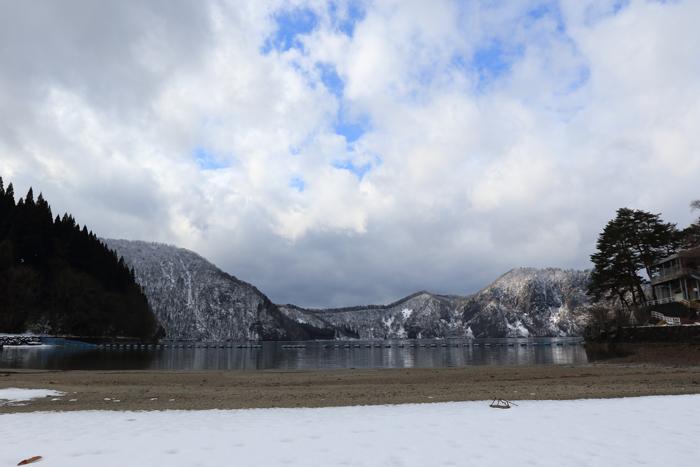 冬の沼沢湖