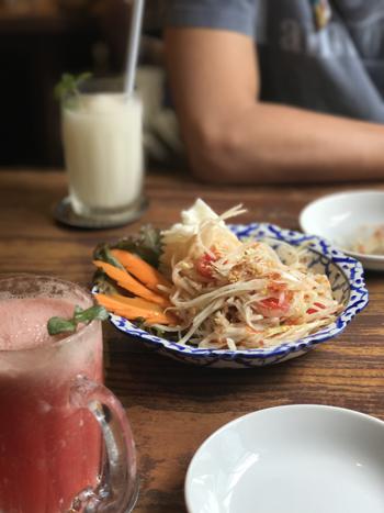 タイ料理サラダ