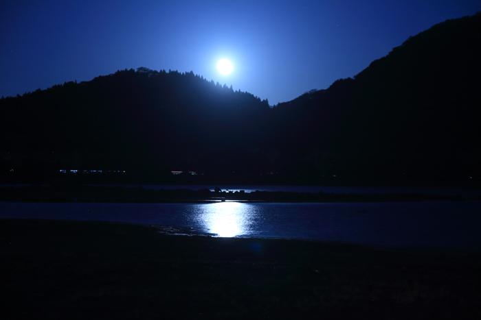 夕暮れの猪苗代湖キャンプ (7)