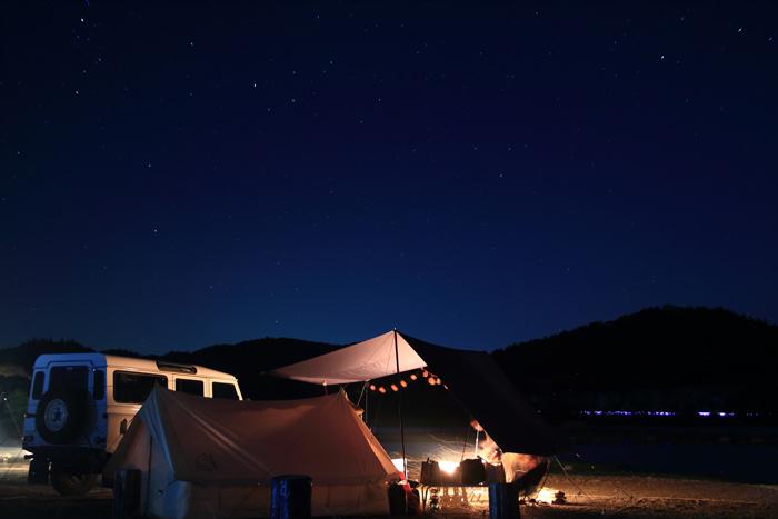夕暮れの猪苗代湖キャンプ (5)