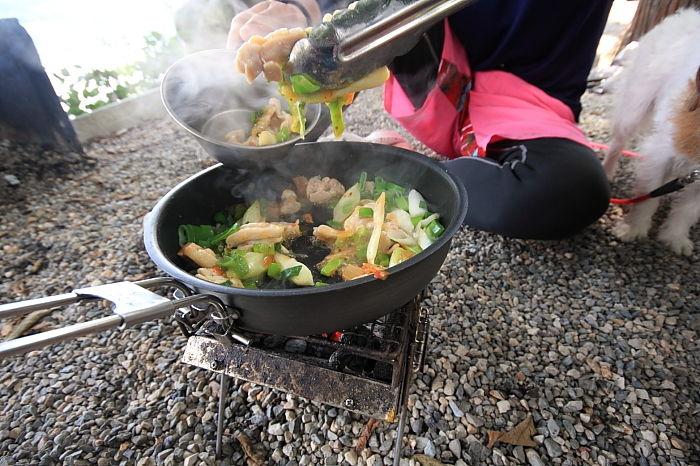 炭火でお昼ご飯
