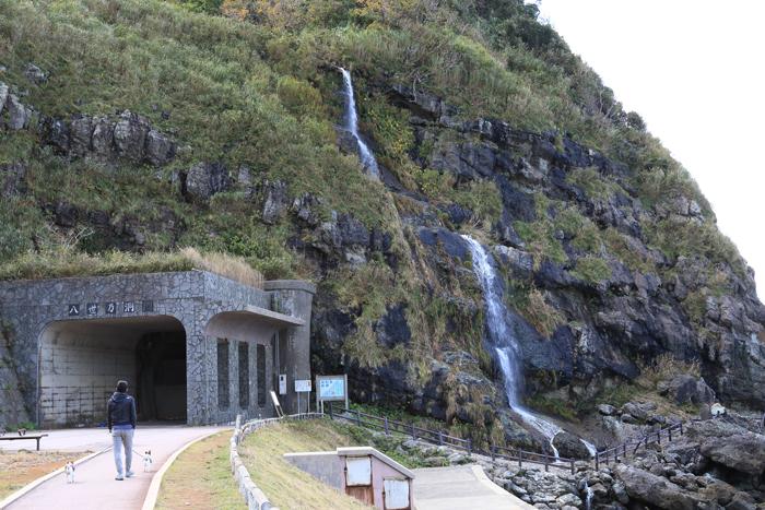 窓岩と滝 (4)