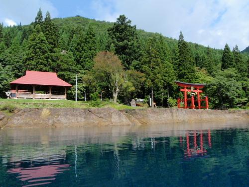 神社と東屋